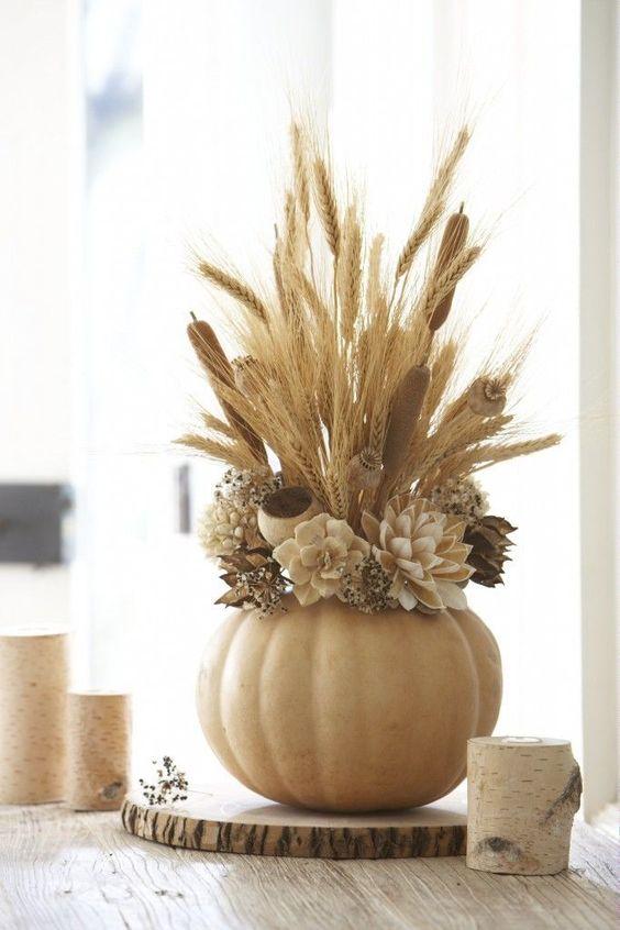 pumpkin-centerpiece-thedailybasics