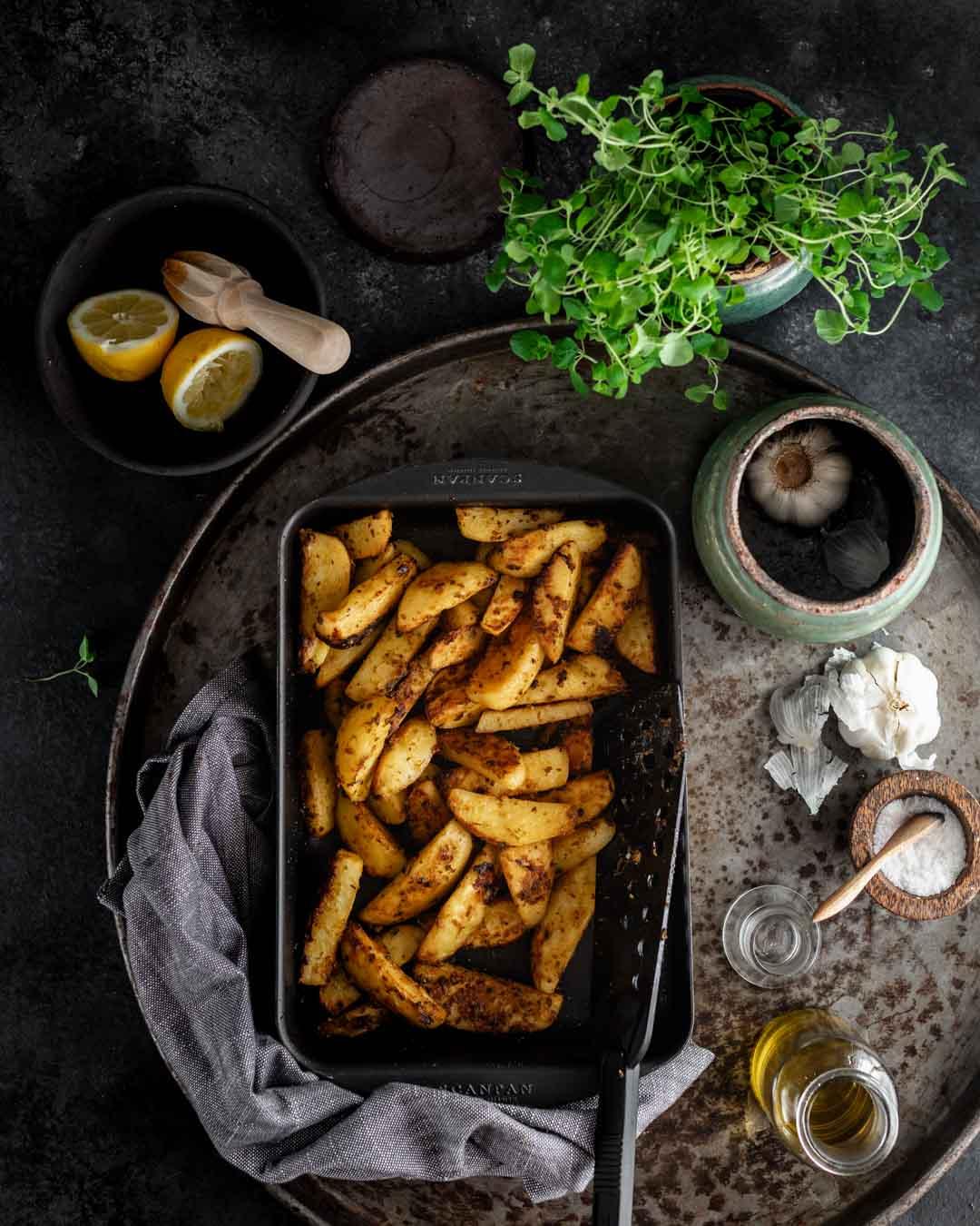 kartofler, ovnbagte, hvidløg, grillkød, sennep