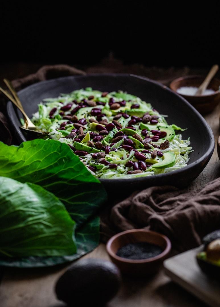 salat med kål, spidskål, kålsalat, hvidkål, sennepsdressing, saltmandler