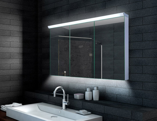 Zrcadlové skříňky dodají každé koupelně nový rozměr