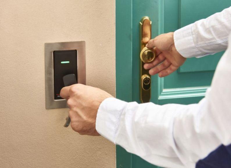 Přístupový systém do domu: Moderní technologie brzy vystrnadí klíče. Je to dobře?
