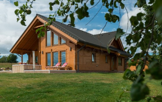 Roubené a srubové domy