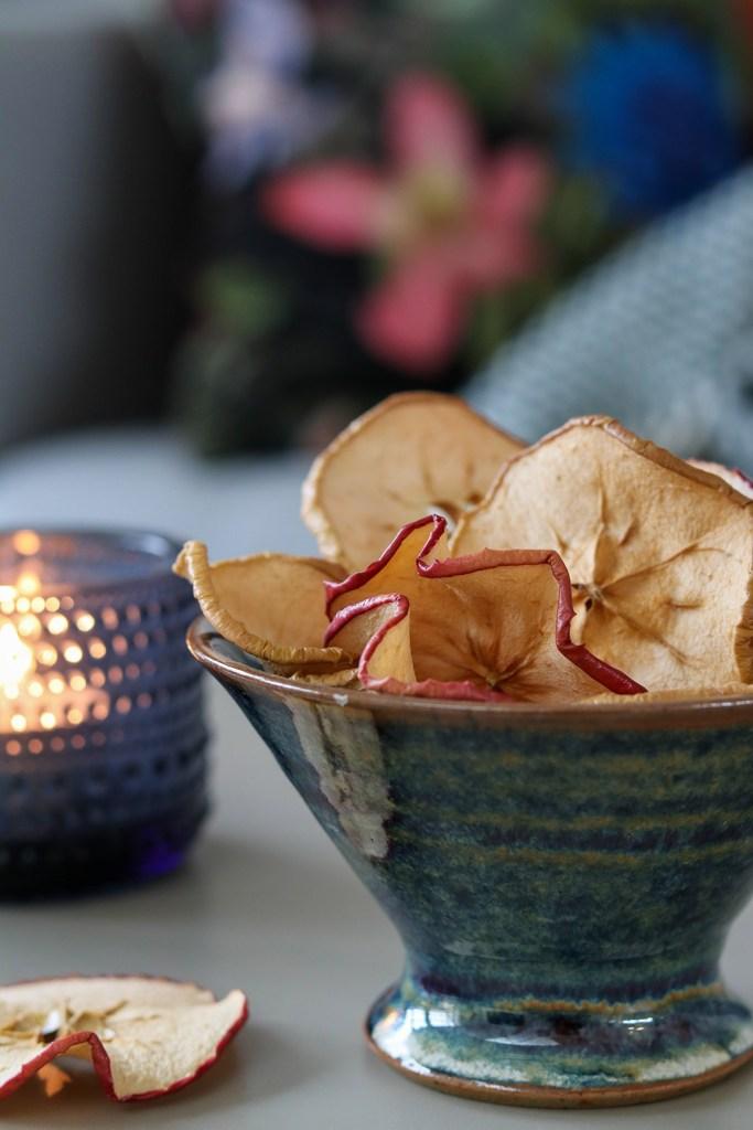 Tørrede æbleringe i ovn - opskrift på sprøde æblechips