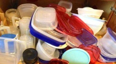 Des Tupperwares plein les armoires !