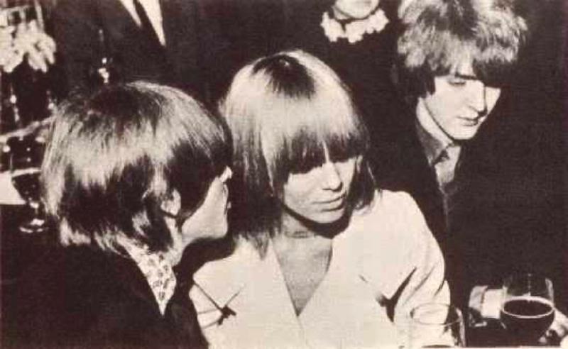 Brian Jones, Anita Pallenberg y Tara Browne