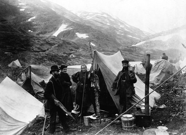 Two missionaries headed for the Klondike gold fields at the height of the Gold Rush in 1897