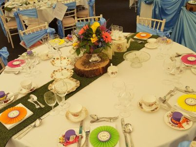 alice-mad-hatter-table