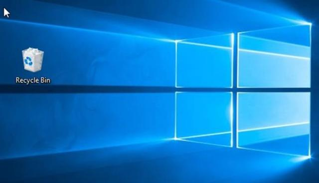 Windows Stuck at choose your keyboard layout screen or blank screen with a Recycle Bin