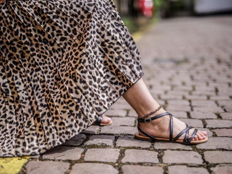 Look jupe léopard Notting Hill sandales