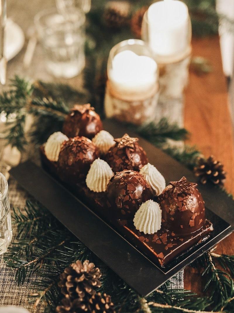 Repas de noël entre amies avec Toupargel blog lifestyle Lyon By Opaline bûche chocolat vanille marron