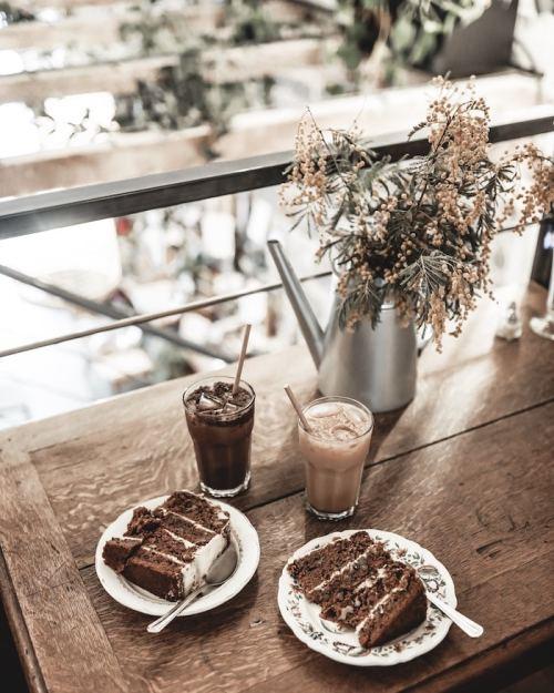 Bonne adresse coffee shop Lyon jungle urbaine Anahera chaï latte frappé carrot cake
