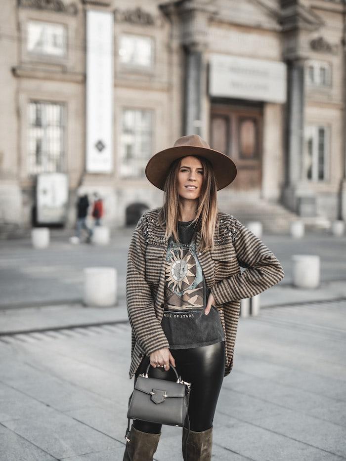Idée look inspiration tenue femme 2020 veste chemise à carreaux Sandro blog mode Lyon France By Opaline