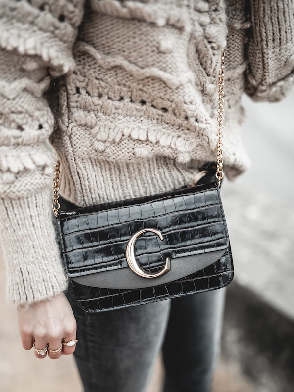 Inspiration look femme 2020 pull beige Zara et sac Chloé C bag