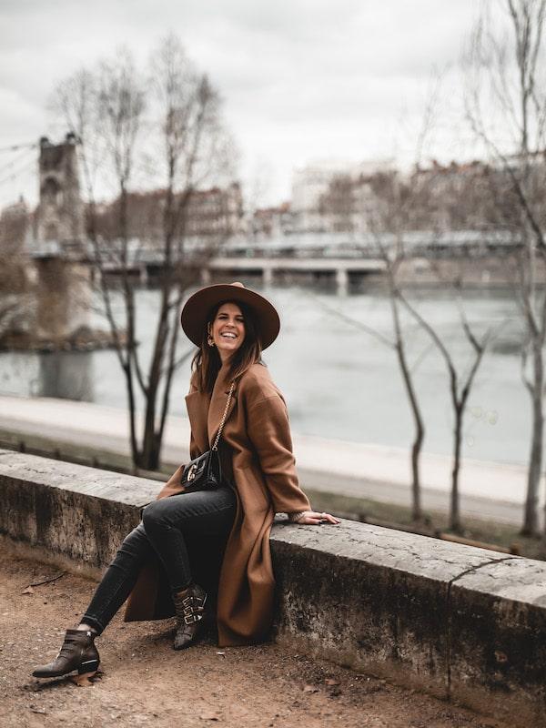 Inspiration look femme 2020 manteau oversize beige Zara