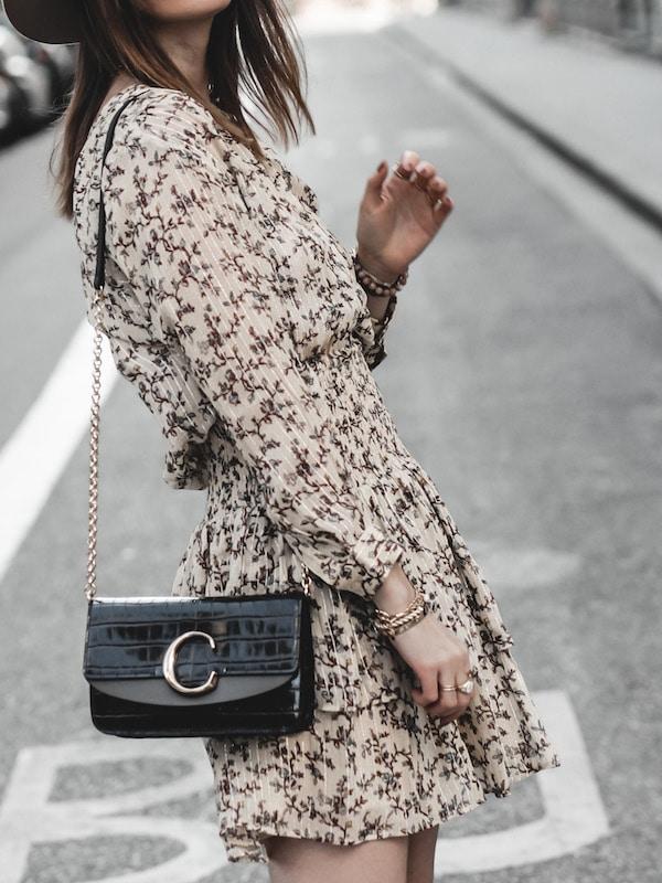 Inspiration mode look femme 2020 fashion sac Chloé C bag robe Pablo beige