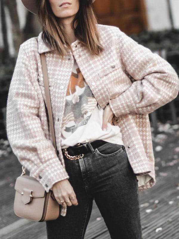 Inspiration mode look femme 2020 fashion veste oversize tweed rose tee shirt Anine Bing vintage