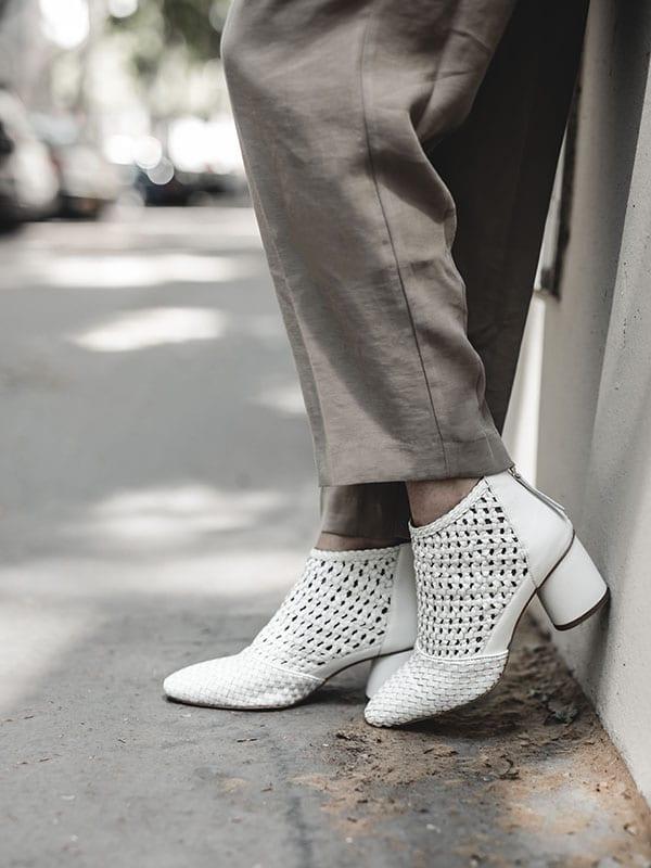 Inspiration mode look femme 2020 fashion bottines tressées blanches
