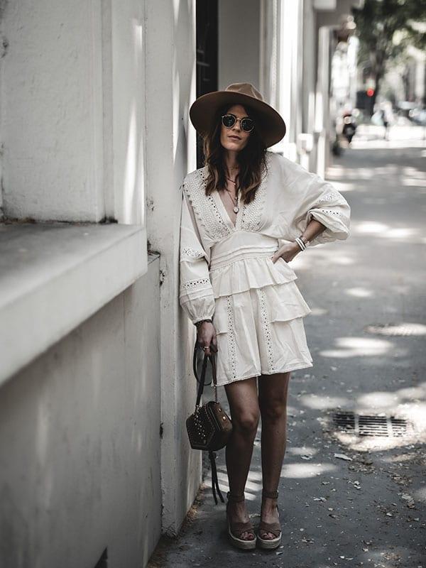 Inspiration mode look femme bohème 2020 fashion robe Iro Figons sac Jimmy Choo arrow