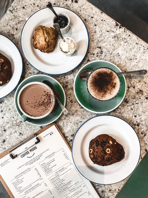Manger végétarien ou vegan au pays basque, mes meilleures adresses. Le petit déjeuner chez Coffee Muxu à Bayonne.