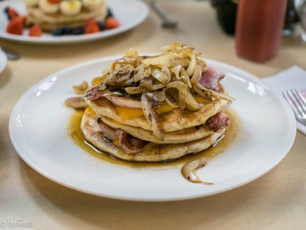 MOAK Pancakes Amerikaanse pannenkoeken eten