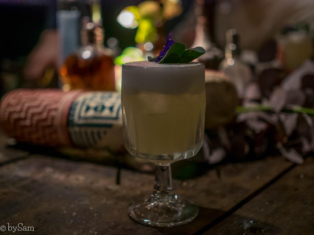 Cocktails drinken restaurant Salmuera Amsterdam centrum
