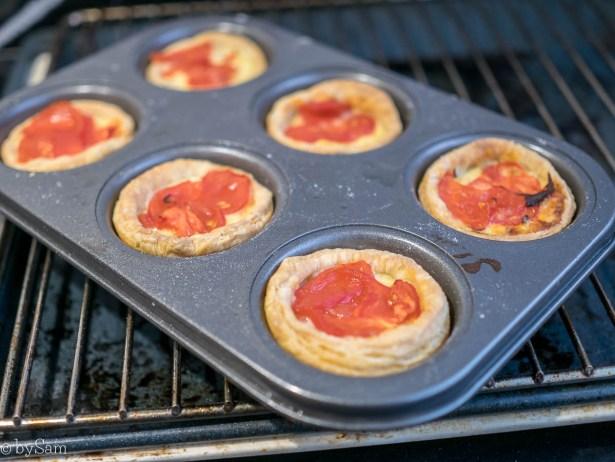 Recept hartige mini taartjes met tomaat en kaas