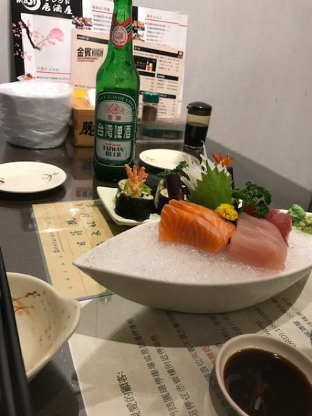 Sushi en sashimi bij Pengyou in Tainan