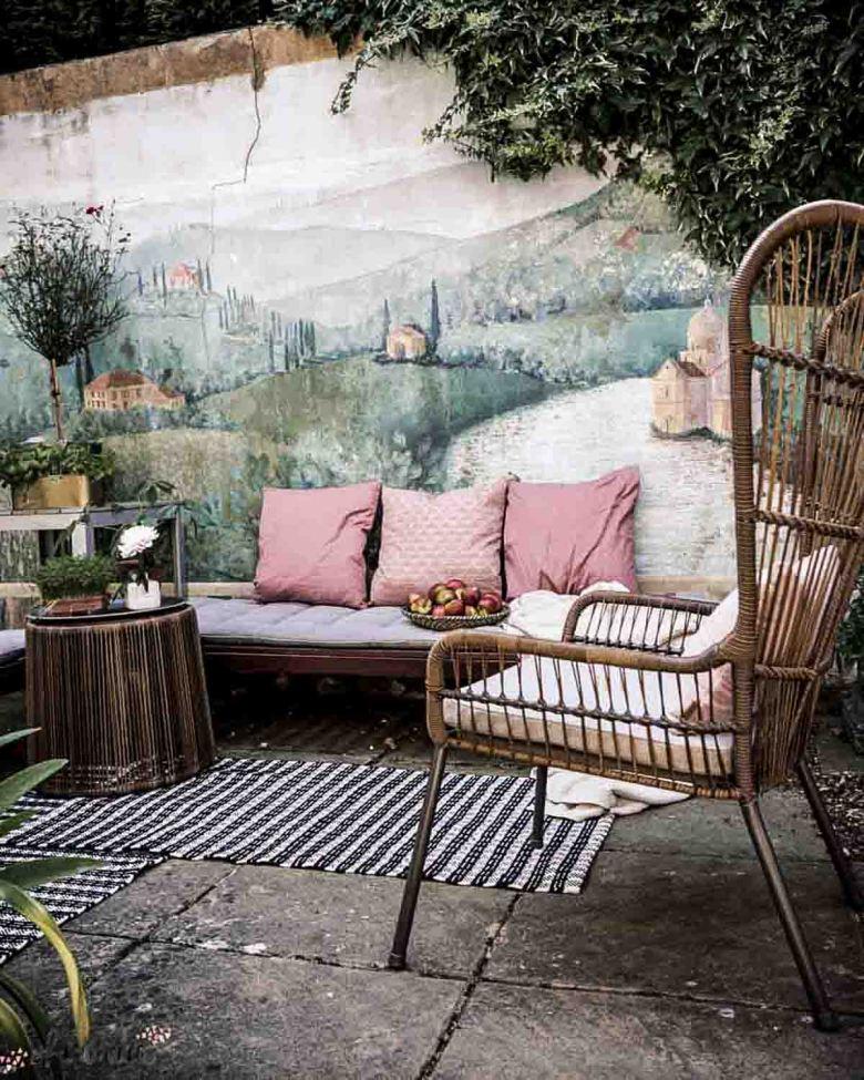 italian garden seating