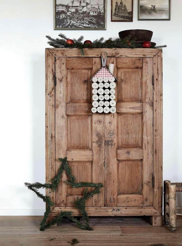 Festive details on rustic old door