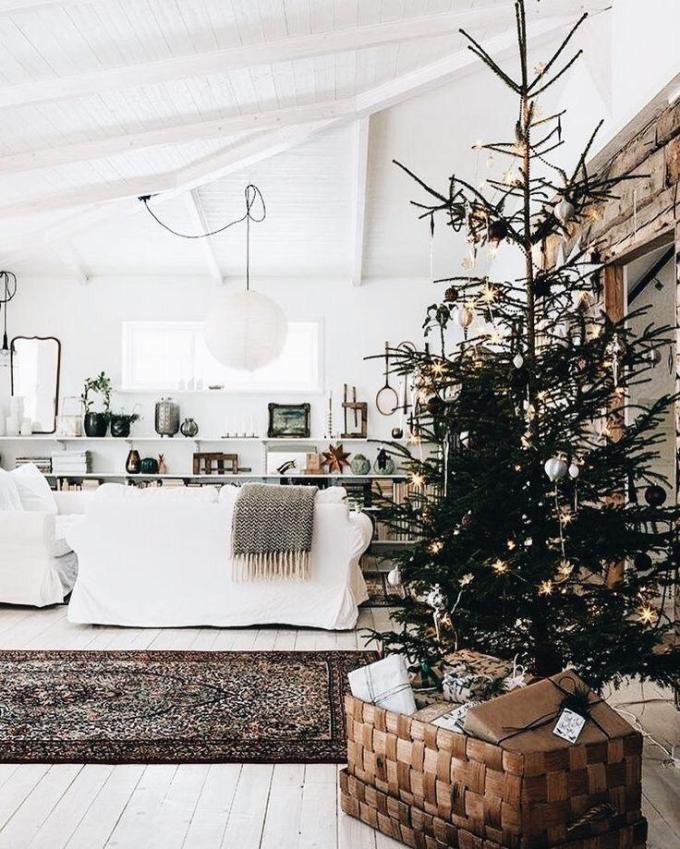 minimal white christmas