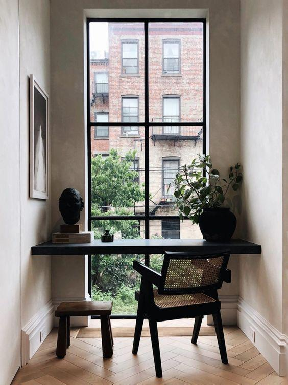 make the most of your landing with desk space
