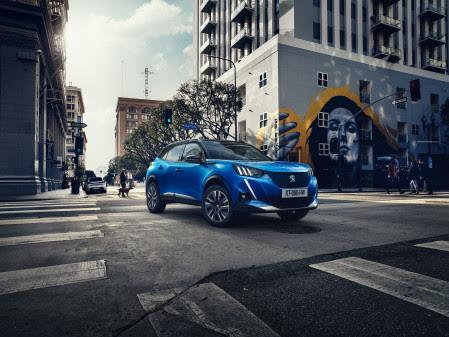 Peugeot laddar upp med elbilar i Sverige