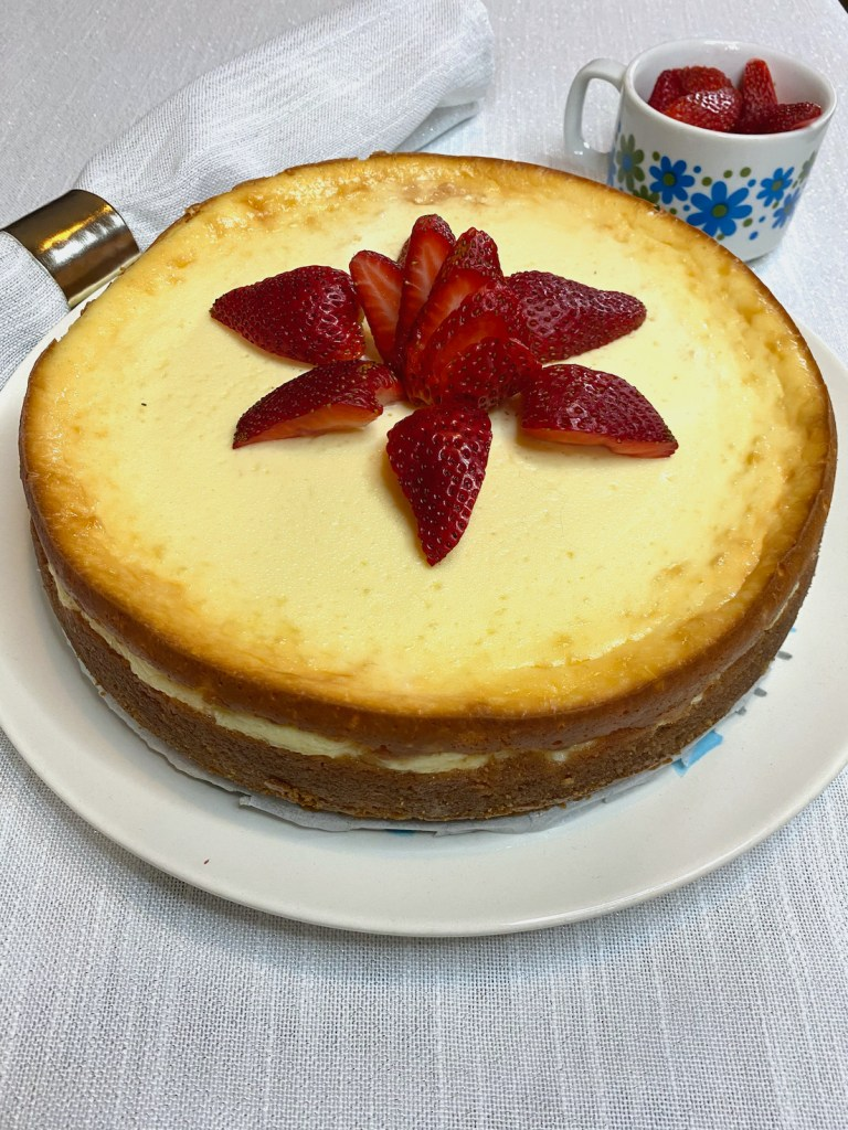 Low Carb Cheesecake with Strawberries