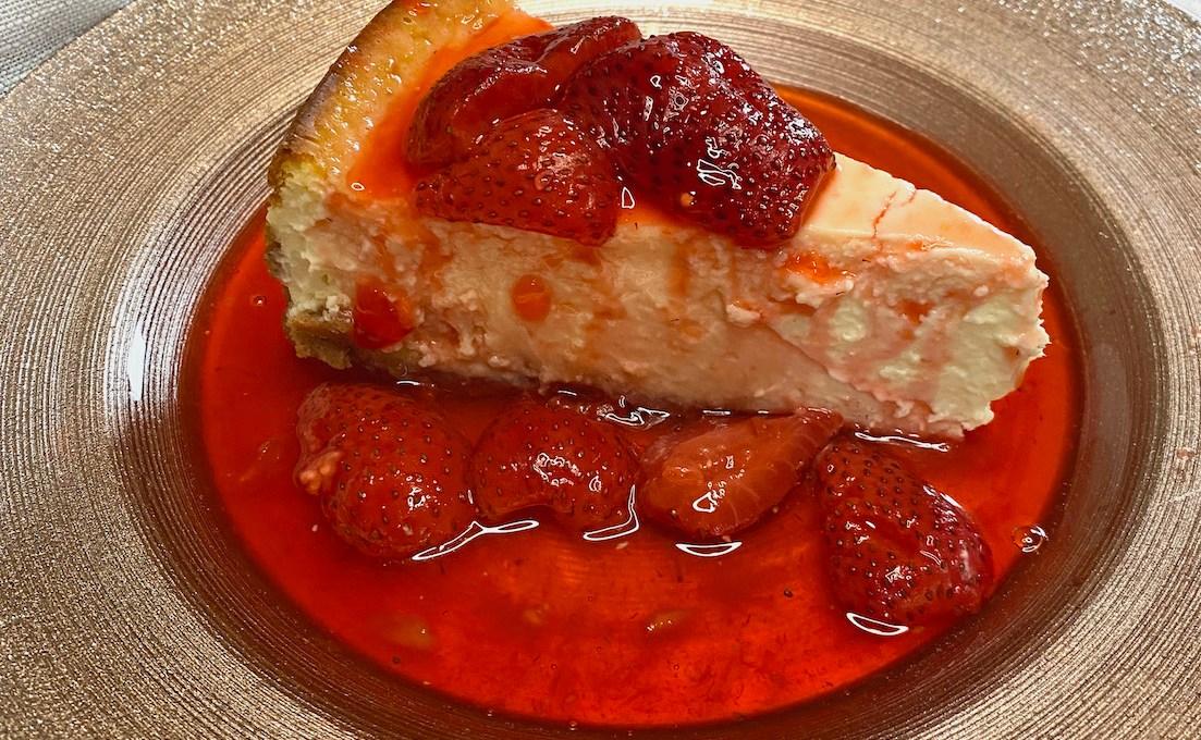 Low Carb Cheesecake with Strawberry Glaze