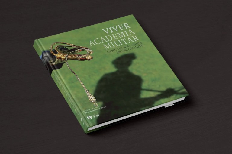 capa Viver Academia Militar
