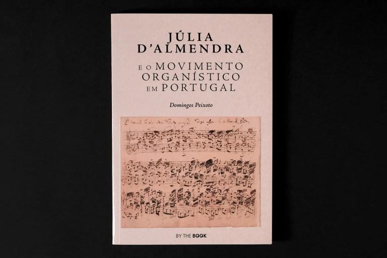 capa Julia d'Almendra