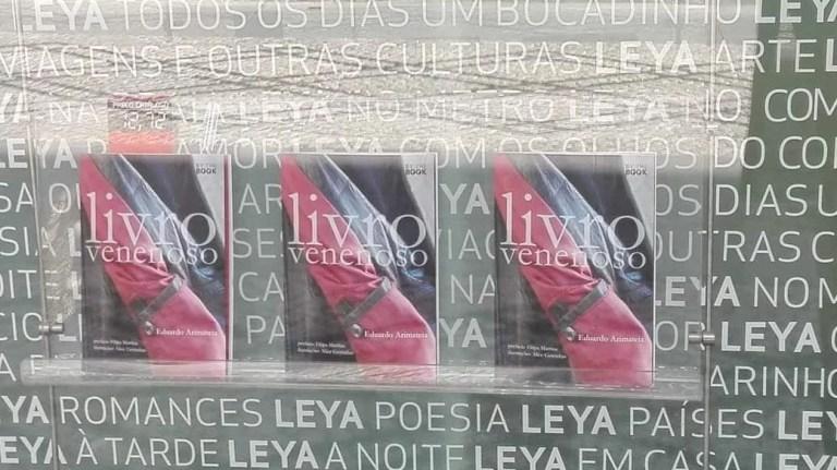 O « Livro Venenoso » já está na montra da livraria Leya/Pretexto em Viseu.   #pr…