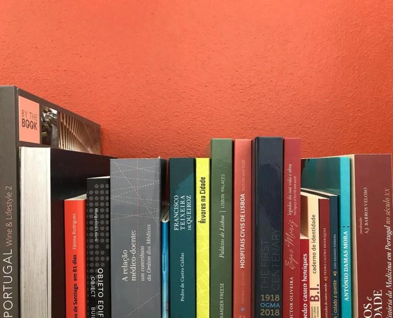 """As """"nossas alturas""""   .  .  .  #booksaholic #bookstagram #instalivros #instalite…"""
