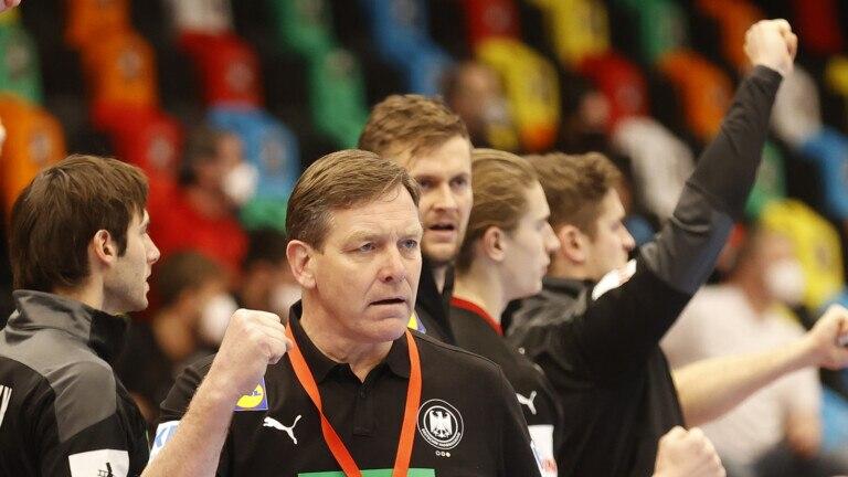 https www bz berlin de berlin sport fuechse berlin corona test und hotelisolation handballer starten woche der wahrheit