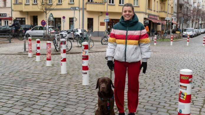 "Madga Zochowska (32), computer scientist: ""Since 2019 there has been less going on on the streets.  I enjoy that, I am out and about with my dog ​​every day (Photo: Olaf Selchow)"