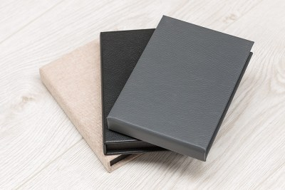 USB Case - Materials = Grey (29) / Black Leather Look (6) / Crash (2)