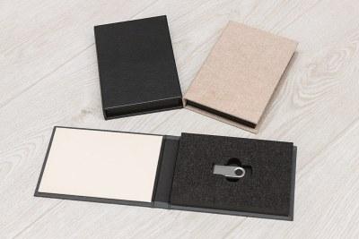 USB Case - Materials = Grey (29) - Cream (30) inside / Black Leather Look (6) / Crash (2)