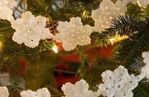 crochet-snowflake-garland-535x350
