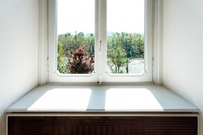 Elegant-River-Apartment-in-Turin-by-deamicisarchitetti-02