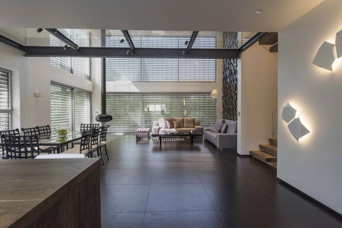 Modern-Minimalistic-and-Clear-in-Tel-Aviv-by-Martin-Kesel-Architects-07