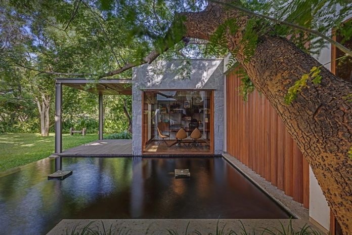 Krishnan House And Its 16000 Square Foot Green