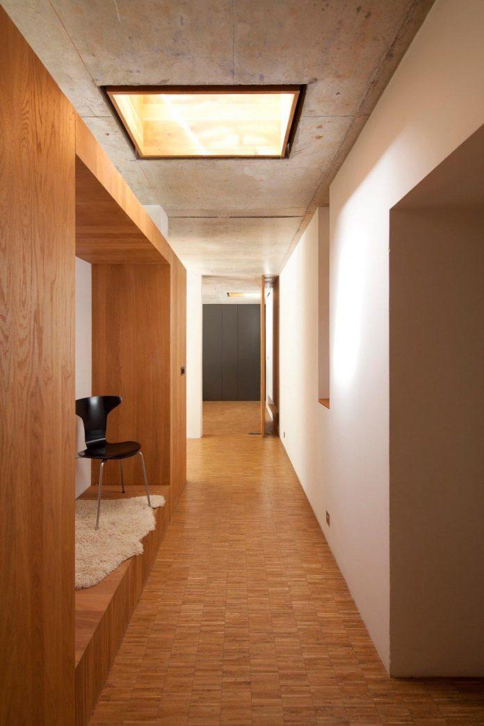 rooms-house-charbonnieres-les-bains-natural-light-05