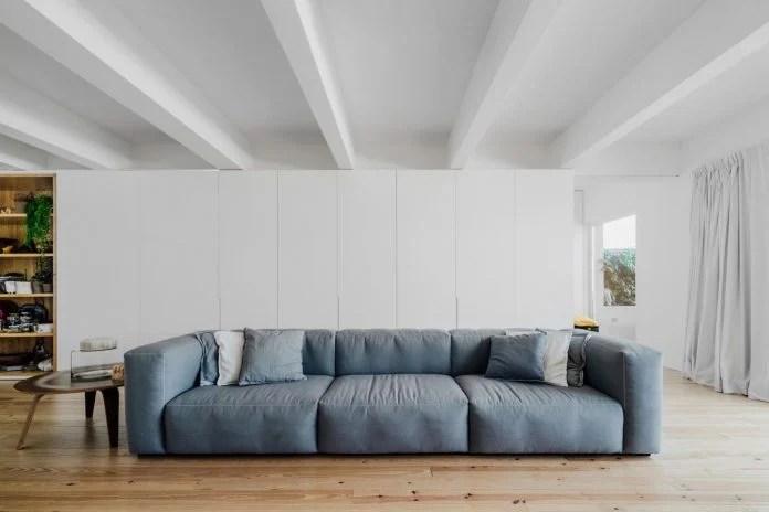 penthouse-lisbon-occupies-last-two-floors-building-04