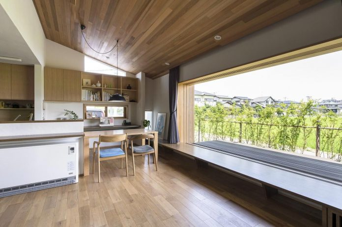 Teto Architects Designed A House With A Large Landscape