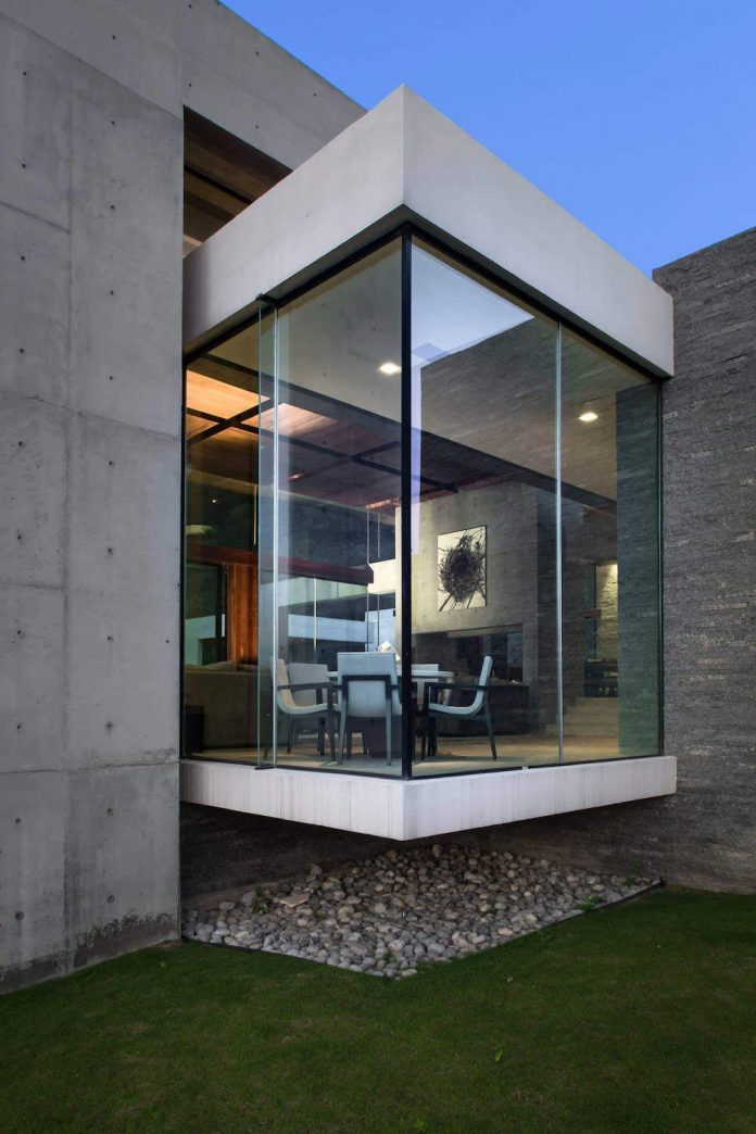 Monterrey Ultra Modern Mansion By Barber Choate Hertlein